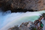 yellowstone-26-lower-falls-na-rece-yellowstone--pohled-seshora.jpg