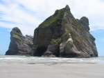 novy-zeland-south-island-wharariki-beach.jpg